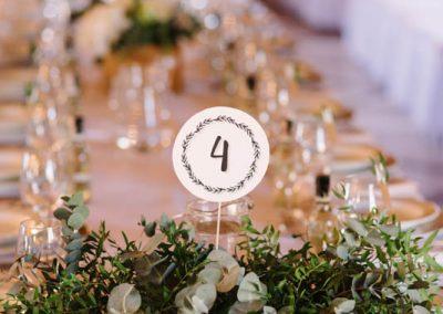 Numerek na stoliku