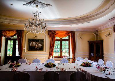 Przyjęcie weselne w dworze