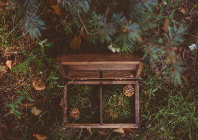 Z motywem lasu iglastego