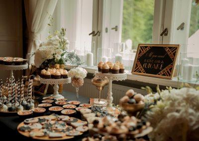 Słodki poczęstunek na weselu