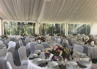 romantyczne wesele w plenerze pod namiotem
